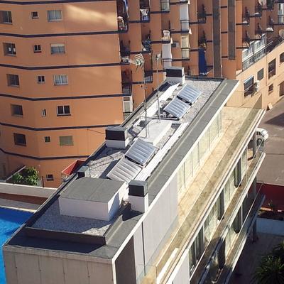 Instalacion de placas solares con acumulador incorporador