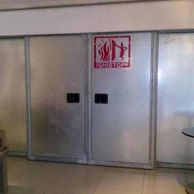 Instalación de puertas correderas cortafuegos