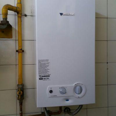 Instalación de un termo a gas ciudad JUNKERS