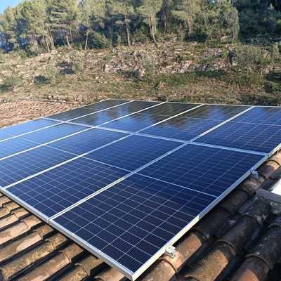 Instalación en Gelida, 4kWp JA Solar,Goodwe