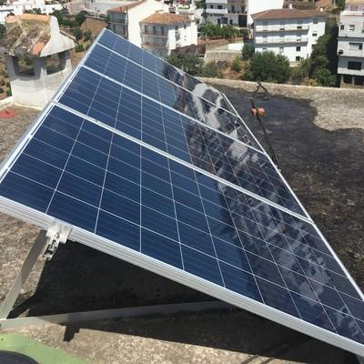 Instalación 1kWp y 3kW de inversor con aporte de red en Tolox (Málaga)