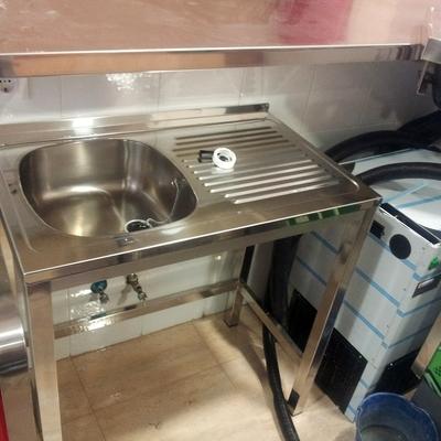 Instalación Fregadero en Cafetería