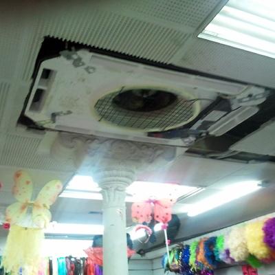 Instalacion tipo cassete en local comercial