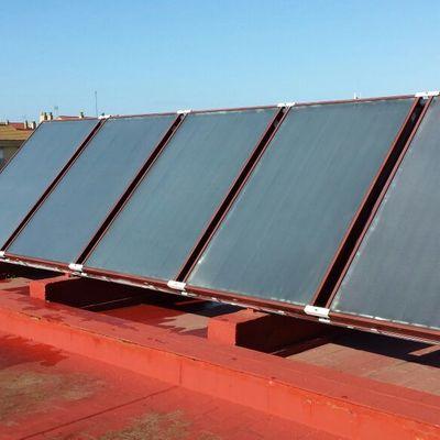 Instalación y mantenimiento energía solar en comunidad de vecinos