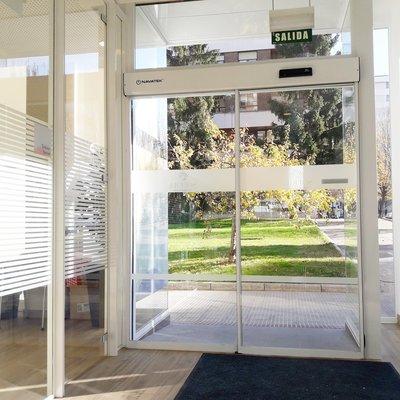 Instalacion puerta automatica cristal corredera
