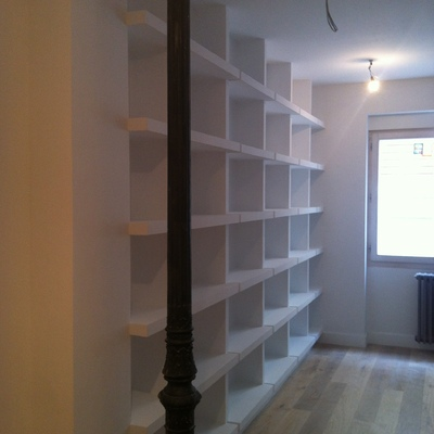 integración de mobiliario con perfectos acabados