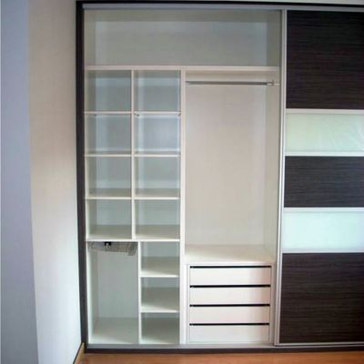 Interior fabricado en melamina blanca