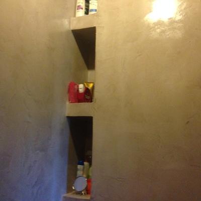 estanterias de obra revestidas de microcemento