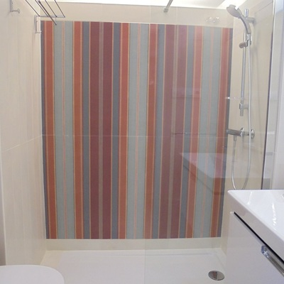 Baño.. Detalle plato ducha e iluminación