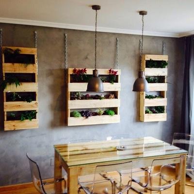 Jardineras y mesa comedor de palet