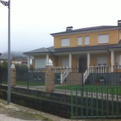 Construcción de vivienda unifamiliar aislada