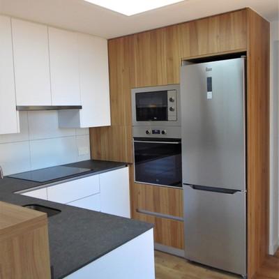 cocina vista columna electrodomésticos