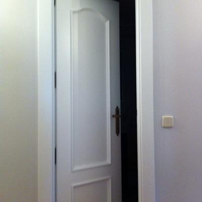 Lacado de puerta de paso