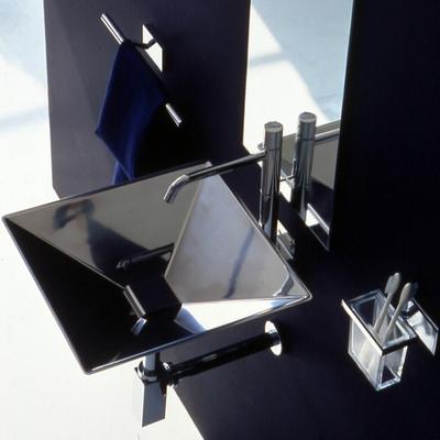 Lavabo y accesorios de Bertocci