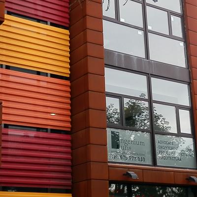 Licencia de actividad y energización de edificio de oficinas