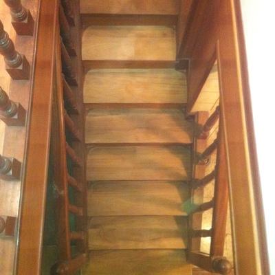 lijado y barnizado de escaleras