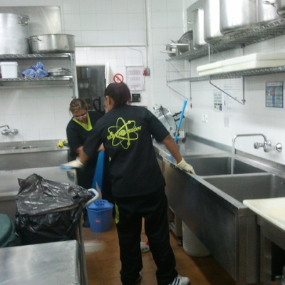 Limpieza de cocina industrial.