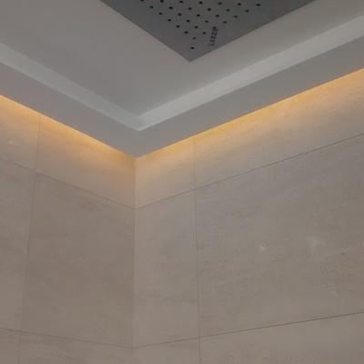 Luz indirecta led bajo falso techo
