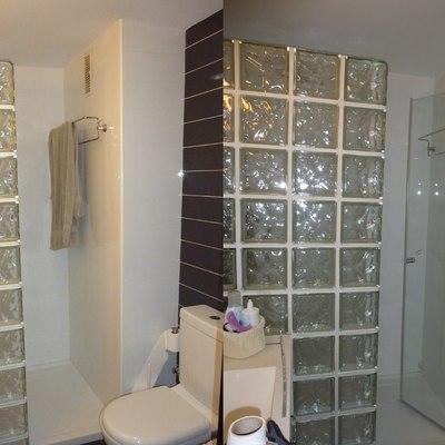 Mampara de baño con pavés (antes y después)