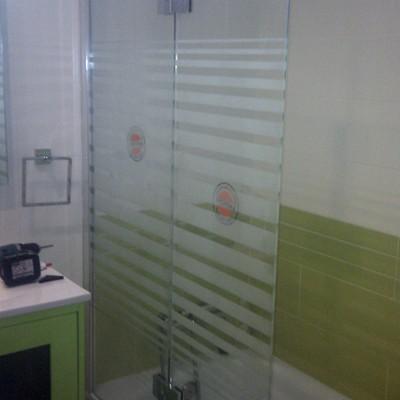 Mampara de baño sin perfileria