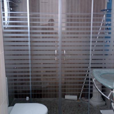 Instalar mampara de ducha gallery of al igual que sucede - Instalar una mampara de ducha ...
