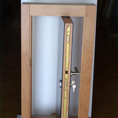 maqueta puerta pivotante eje desplazado acorazada