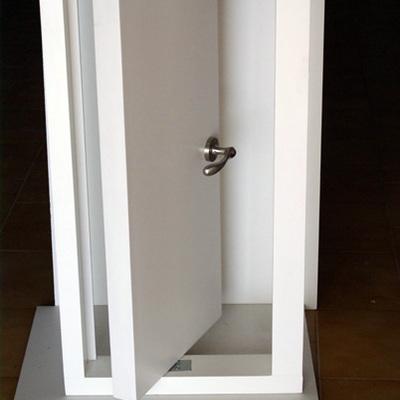 maqueta puerta pivotante
