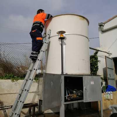 Limpieza y desinfección de un deposito de agua