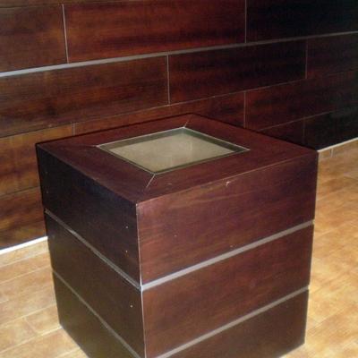 mesa auxiliar den diseño