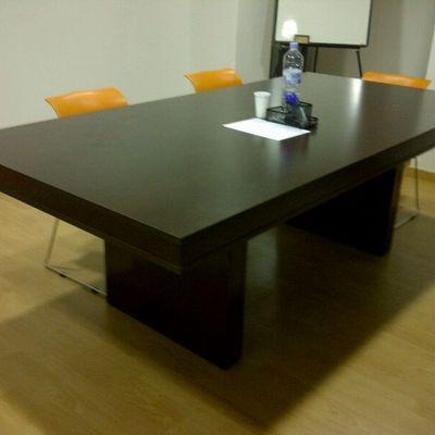 Mesa de reuniones a medida