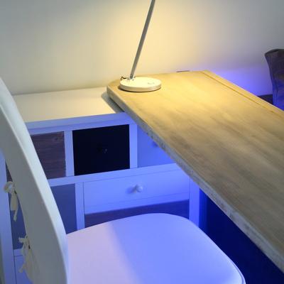 Mesa giratória con luz