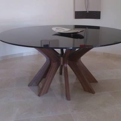 Mesa 8 patas en madera nogal