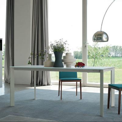 Mesa Sensai y silla Alma