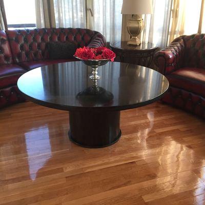 mesa de granito negro redonda