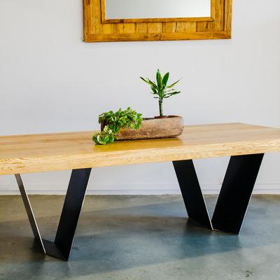 Mesa de comedor UVE
