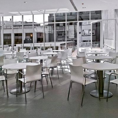 mesas y sillas cafeteria