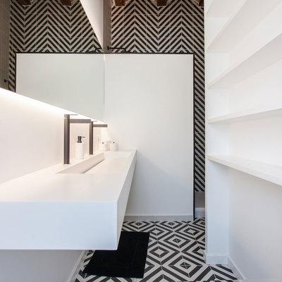 Baño con azulejos originales