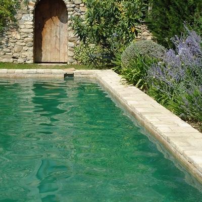 microcemento aplicacion en interior de piscina