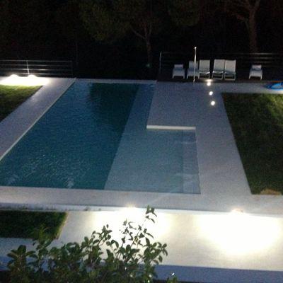microcemento exterior y piscina