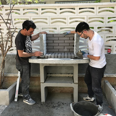 Montaje barbacoa y estructura