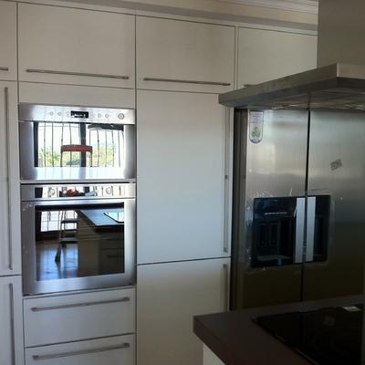The singular kitchen velez v lez m laga for Muebles de cocina velez malaga