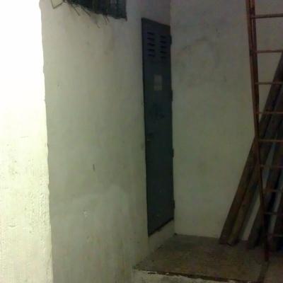 Montaje de escalera metalica