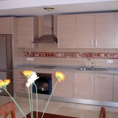 Montaje de muebles de cocina, armarios, puertas...