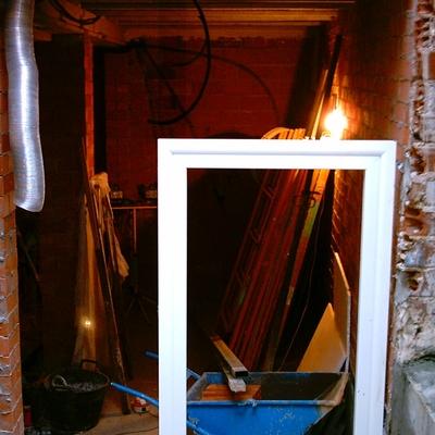 montaje marco puerta de acceso