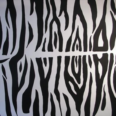 Motivo de piel de cebra pintado en pared.