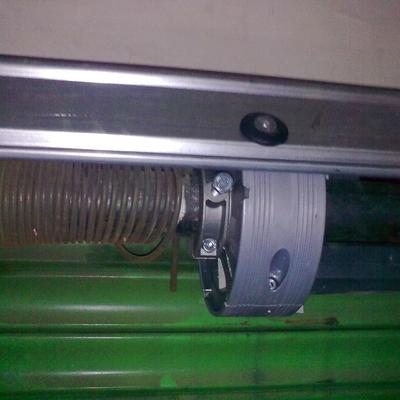 Motor persiana metálica.