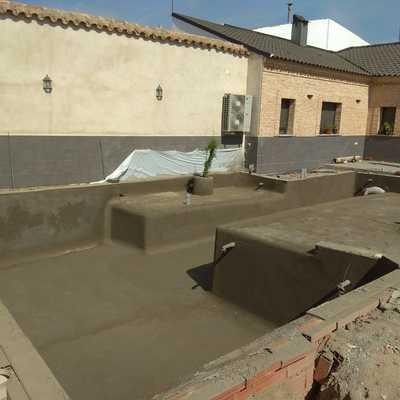 piscina manzaneque