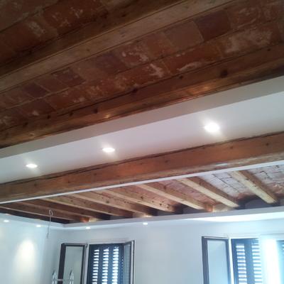 Bovedilla catalana decorativa combinada con techo perimatral de pladur