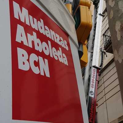 Mudanzas con elevador en Barcelona