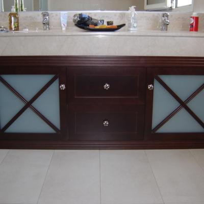 Mueble baño de madera